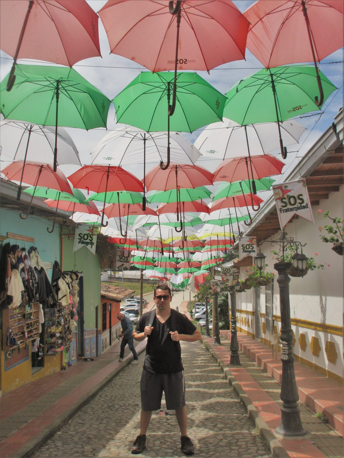 Travel Around Medellin: Daytrips and Places to Visit – Guatape, Santa Fe, El Carmen de Viboral